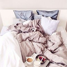 breakfast in bed.this bed looks so comfy Dream Bedroom, Home Bedroom, Bedroom Ideas, Bedroom Inspiration, Bedroom Decor, Dream Rooms, Bedroom Colors, Bedroom Inspo, Bedroom Interiors