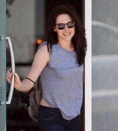 Kristen Stewart Please Like, Pin, and Share ! http://dailycelebrity.org/category/kristen-stewart