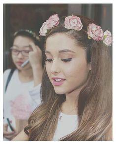 Ariana Grande. she is so pretty s͙o͙o͙o͙o͙ t͙o͙o͙ p͙r͙e͙t͙t͙y͙ x͙o͙x͙o͙