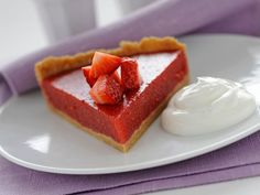 Ricetta Torta di fragole con yogurt greco | Donna Moderna
