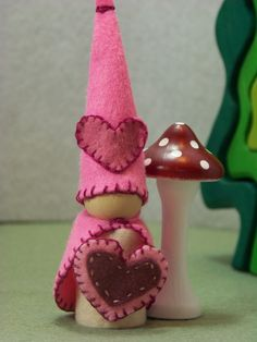 Valentine gnome- I used to make this at Waldorf :-)