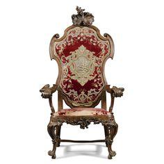 Прекрасный и редкий португальский резной деревянный трон кресло около 1730 Оценка   6,000 — 8,000  ФУНТОВ СТЕРЛИНГОВ МНОГО ПРОДАЕТСЯ. 10,000 фунтов стерлингов