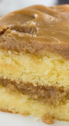 Southern Caramel Cake ~ two delicious and moist cake layers with a fabulously sweet icing. Southern Caramel Cake ~ two delicious and moist cake layers with a fabulously sweet icing. Keto Desserts, Just Desserts, Dessert Recipes, Picnic Recipes, Baking Desserts, Dessert Food, Health Desserts, Food Cakes, Cupcake Cakes