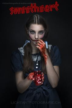 Look a like Alice who have a bloody Heart.  Bloody Halloween Shooting in Switzerland.  lichtartfotografie.ch  ©Andrea Wullimann Visa Tanja Hauri Model Alexa Riley