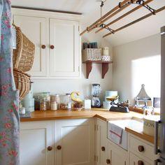 Küchen Küchenideen Küchengeräte Wohnideen Möbel Dekoration Decoration Living Idea Interiors home kitchen - Creme Landhausküche