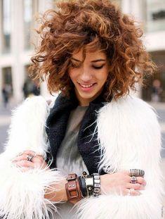25 Formas de lucir el pelo ondulado y rizo | La Clé Privée