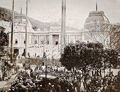 Chegada de Alberto I, rei da Bélgica, e sua esposa, a rainha Elisabeth, ao Palácio Guanabara, durante visita oficial ao Brasil. Rio de Janeiro, 19 de setembro de 1920.