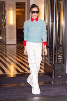 Victoria Beckham Style, Clothes, Outfits and Fashion - CelebMafia Fashion Over 40, Trendy Fashion, Vintage Fashion, Fashion Outfits, Victoria Beckham Stil, Trouser Outfits, Latest Outfits, Fashion Photo, Chic