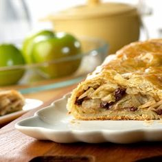 With this Shortcut Apple Strudel recipe from Campbell's Kitchen you can whip up some old-fashioned goodness for your family in practically no time! Made with prepared puff pastry crust, this is one of the easiest apple strudel recipes ever. Strudel Recipes, Puff Pastry Recipes, Apple Strudel Puff Pastry, Just Desserts, Dessert Recipes, Apple Desserts, Delicious Desserts, Pepperidge Farm Puff Pastry, Apple Recipes