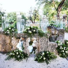 Romantic ceremony decor @vizcaya_museum with @melissa_davis_designs 📸: @donnanewmanphoto #alwaysflowersevents #magicalmonday