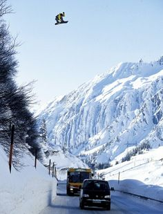 "#Lufelive @LUFELIVE #Snowboarding #snowboard just a ""litte"" roadgap"
