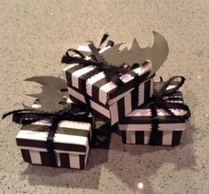 Tim Burton Inspired Cutesy Gift Box Place Settings DIY. Great for Halloween parties or gifts!