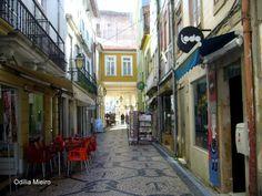 #absolutportugal #descobrirportugal #cafeportugal AS MAIS VISTAS (http://on.fb.me/1pvgp9q) ► 30/03/2014 • Pelas ruas de Aveiro... • Odilia Mieiro (http://on.fb.me/1lyBItI)