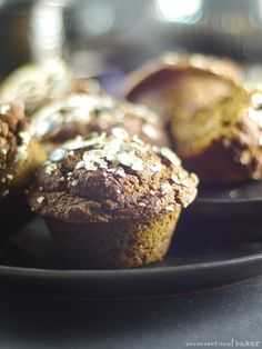 Pumpkin Molasses Muffins (Free from: gluten dairy eggs refined sugars nuts gums and oil) Healthy Vegan Snacks, Vegan Sweets, Vegan Desserts, Dessert Recipes, Strawberry Desserts, Vegan Food, Gluten Free Pumpkin, Pumpkin Recipes, Vegan Gluten Free