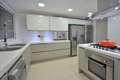 Cozinha : Cozinhas modernas por Stúdio Márcio Verza
