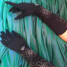 It's a million degrees in here rn but my girl Sophia took one for the team and models these gloves while lying on the stage with throngs of random seafood fest ppl staring throughout the window Love u girl! . 50s nylon gloves with fantastic metallic silver Embroidered flowers   sz. S $24 . #50svintage #vintagegloves #vintagefashion #shopvintage #50sfashion #luckydrygoods