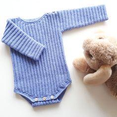 Crochet Girls, Newborn Crochet, Crochet For Kids, Crochet Baby, Knit Crochet, Knitting For Kids, Baby Knitting Patterns, Sewing For Kids, Knitted Baby Clothes