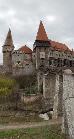Vajdahunyad castle / Dvorac Vajdahunyad / Castelul Corvineştilor - or Hunyad Castle Castle Pictures, Castle Ruins, Beautiful Castles, Fortification, Central Europe, Homeland, Old Houses, Places To Go, Buildings