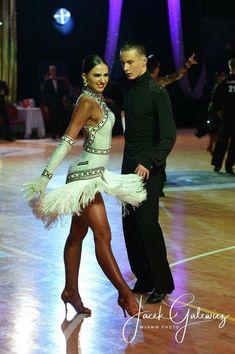 Latin dress Rolecka Design, Ambassador Sara Litorowicz #ballroomdancing Latin Ballroom Dresses, Ballroom Dancing, Latin Dresses, Ballroom Costumes, Dance Costumes, Salsa Dress, Samba, Figure Skating Dresses, Cabaret