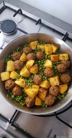 Tajine de viande hachée, petits pois et pommes de terre - My tasty cuisine Lunch Recipes, Vegetarian Recipes, Healthy Recipes, How To Cook Beef, Health Dinner, Carne Picada, Albondigas, Cooking Chef, Salad Dressing Recipes