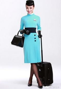 Photos: Xiamen Airlines Rolls Out New Uniforms for Attendants Airline Uniforms, Xiamen, Girls Uniforms, Cabin Crew, Flight Attendant, Cool Costumes, Leather Gloves, Aviation News, Civil Aviation