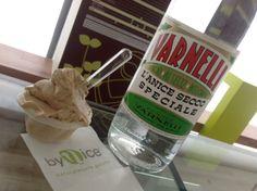 Come impreziosire il sapore del nostro gusto gelato Caffè (100% arabica torrefatto a Matelica) se non con il correttivo per eccellenza….. il VARNELLI. Una tradizione tutta marchigiana che arricchisce ed esalta il sapore di un buon caffè dandogli quell'inconfondibile aroma di anice secco. -VARNELLI (anice secco speciale prodotto dalla Distilleria Varnelli di Muccia –MC- un prodotto unico e inconfondibile)