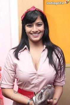 Varalaxmi Indian Actress Photos, Indian Bollywood Actress, Bollywood Actress Hot Photos, Bollywood Girls, Beautiful Bollywood Actress, Most Beautiful Indian Actress, Indian Actresses, Indian Celebrities, Beautiful Celebrities