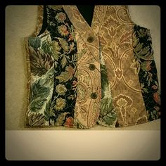 Vest ,  Chicos  beautiful fabric  Nwot Nice, with beautiful design Brocade Champion Dresses