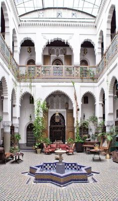 24 beautiful Moroccan riad courtyards - rover at home - . - 24 magnificent Moroccan riad courtyards – rovers at home – # R - Riad Marrakech Medina, Riad Fes, Marrakesh, Moroccan Design, Moroccan Decor, Moroccan Style, Moroccan Bedroom, Moroccan Lanterns, Moroccan Curtains