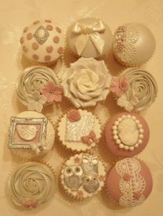 Owl and vintage cupcakes