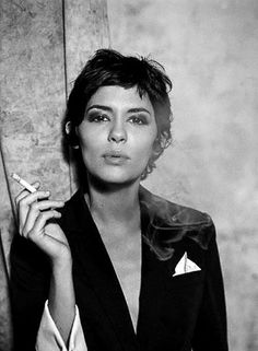 Audrey Tautou in Is she married or dating a new boyfriend? Net worth: How rich is she? Does Audrey Tautou have tattoos? Does she smoke? Audrey Tautou, Audrey Hepburn Pixie, Party Hairstyles, Cool Hairstyles, Celebrity Hairstyles, Trending Hairstyles, Bob Hair, Hair Bangs, Trendy Mood