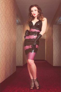 femdomlatex:  More free pics www.femdom-latex.com