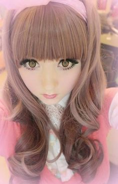 Cute voice cute looks just cute cute cute! Also very good makeup tutorials ones for real life and ones for play. Venus Palermo, Cool Anime Pictures, Human Doll, Divas, Emo, Living Dolls, Japanese Outfits, Harajuku Fashion, Doll Face
