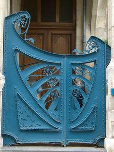 Immeuble Georges Biet (1902) – 22 rue de la Commanderie, Nancy (54) by Yvette Gauthier, via Flickr