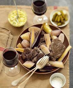 Recette pot-au-feu aux légumes anciens, sauce ravigote International Recipes, Pot Roast, Sauce, Dairy, Beef, Cheese, Ethnic Recipes, Coups, Marie Claire