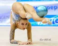 Rhythmic Gymnastics Training, Gymnastics Flexibility, Gymnastics Poses, Acrobatic Gymnastics, Gymnastics Photography, Gymnastics Pictures, Sport Gymnastics, Artistic Gymnastics, Olympic Gymnastics