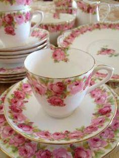 Rose ringed tea cup