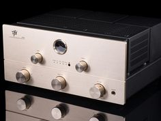 Hand-crafted in New Jersey, the all-tube stereo VPI 299D integrated amp looks, feels and sounds like a winner to the Audiophiliac!