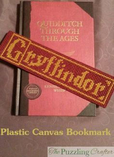 Latest Photo Needlepoint patterns harry potter Thoughts Okay now, all you Gryffindors can calm down. I know that I did all the other house bookmarks before Plastic Canvas Books, Plastic Canvas Ornaments, Plastic Canvas Christmas, Plastic Canvas Crafts, Plastic Canvas Patterns, Cross Stitch Harry Potter, Harry Potter Bookmark, Cross Stitch Books, Cross Stitch Bookmarks