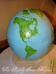 That Really Frosts Me: Earth Day Cake Globe cake with tutorial