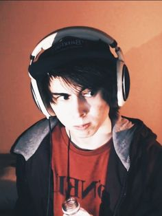 I don't even like Leafy too much anymore, but this picture.