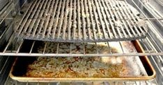 How to Clean Your Barbecue Grill Without Chemicals Vinager, Valspar, Barbecue Grill, Outdoor Cooking, Tool Box, Clean House, Cleaning Hacks, Garden Tools, Home And Garden