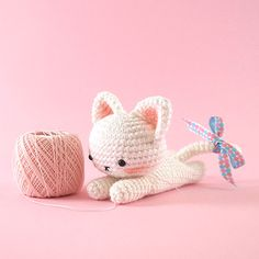 Sweet Lying Down Kitty Amigurumi. (Pattern available to purchase).