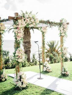 wedding ceremony idea; photo: Honey Honey Photography