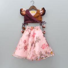 Kids Dress Wear, Kids Gown, Dresses Kids Girl, Girls Frock Design, Baby Dress Design, Baby Frocks Designs, Kids Frocks Design, Baby Girl Lehenga, Kids Dress Collection