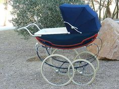 Vintage Royale Pram Pram Stroller, Baby Strollers, Silver Cross Prams, Stylish Baby Clothes, Vintage Pram, Prams And Pushchairs, Baby Buggy, Dolls Prams, Baby Prams