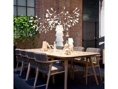 Buy Moooi Zio Dining Table online with Houseology Price Promise. Full Moooi collection with UK & International shipping. White Dining Chairs, Modern Dining Table, Modern Chairs, Dining Set, Dining Room, Modern Lamps, Dining Tables, Outdoor Dining, Furniture Sale