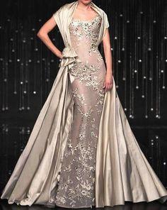 "Jean Fares ""Breeze Me"" kan nie sien wat agter aangaan nie, maar die kleur is mooi Evening Dress Long, Evening Dresses, Prom Dresses, Formal Dresses, Bridesmaid Dresses, Couture Mode, Couture Fashion, Beautiful Gowns, Beautiful Outfits"
