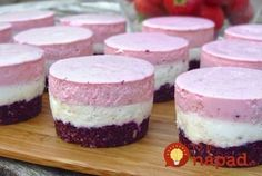 You are in the keto diet but still want to enjoy the treats. There are many healthy keto no bake desserts that will not break your diet. I have gathered best keto no bake desserts (cookies, cheesecake, bars,. Low Carb Desserts, Sweet Desserts, Low Carb Recipes, Sweet Recipes, Baking Recipes, Real Food Recipes, Dessert Recipes, Mini Cheesecake Bites, Berry Cheesecake