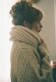 chunky knit scarf, chunky knit sweater